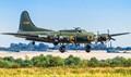 B17 Memphis Belle landing Duxford 2012