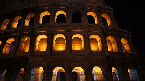 Colosseum 3 - night
