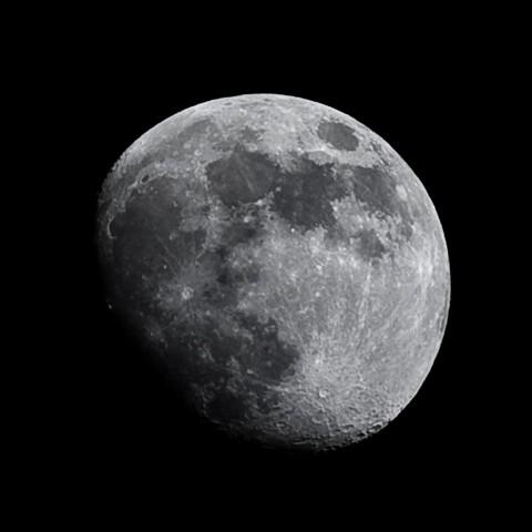 Moon Canon 5D MK II