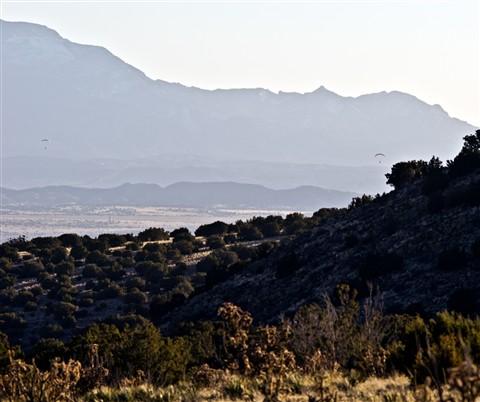 2012-02-25_16-55-06 • NEX-5N + Telyt 200mm f4 - 2 Paragliders_00_large_Q12