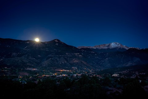 Moon Setting over Manitou Springs