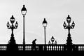 Vue en contre-jour d'un pont parisien. J'ai juste un peu accentué le contraste pour jouer sur les noirs et blancs