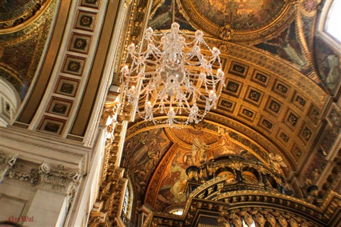 Chandeliers St Pauls london. (1 of 1)