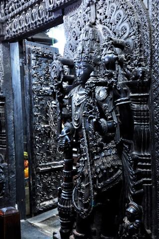 Sculpture in Belur