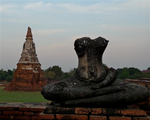 Broken yet standing (2) - Wat Chai Wattanaram