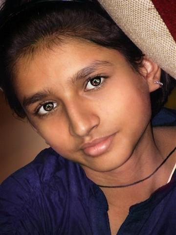girl 2dres2