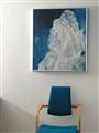 blauw stoel en schilderij