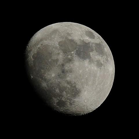 DSC_3300SQ-moon