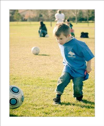 Soccer-3-070176