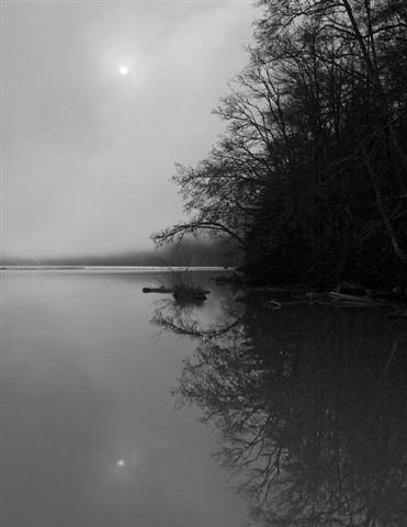 LakeMills_FogSun_1_113008_bw_reduced