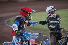 Speedway rivals handshake