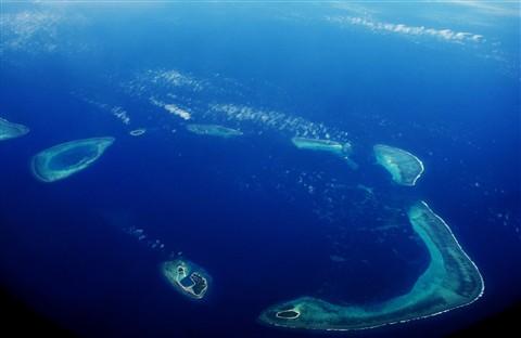 A long way to roads! - Paracel Islands - Islands Pattle, Robert, Duncan & Drummond