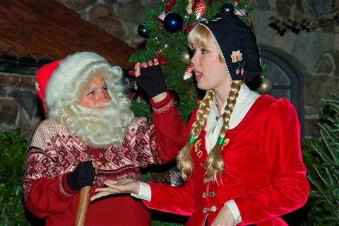 Epcot Norway Christmas Character3