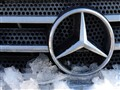 Mercedes in snow