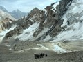 Climbing toward the Chimtarga pass (Pamir mountains, Tajikistan)