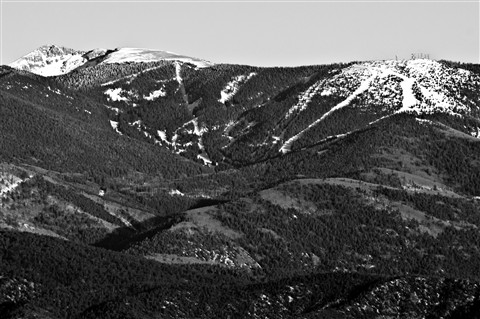 2012-01-27_16-54-45 • NEX-5N + Telyt 560 5.6 - Santa Fe Ski Area_00_B&W