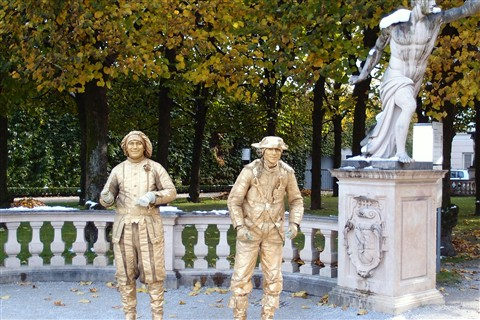 Living Statues-Mirabell Palace