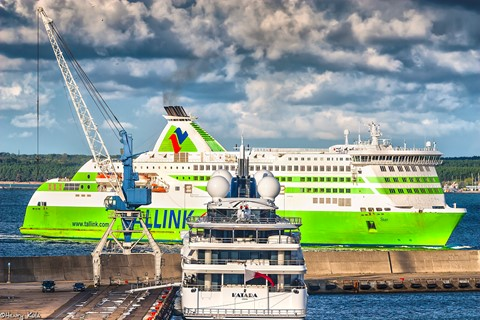 M/Y Katara and MS Tallink Shuttle Star