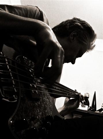 Zaigy Bass 01 1600px