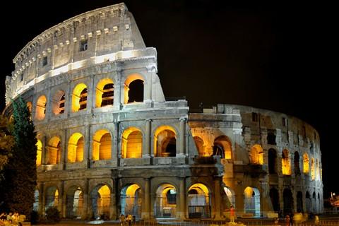 ColosseumAtNight