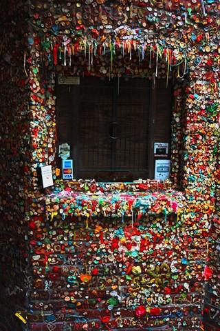 gum-wall2