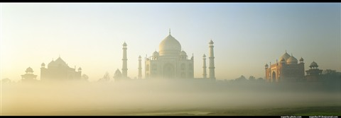 Taj_Mahal_at_dawn[3]
