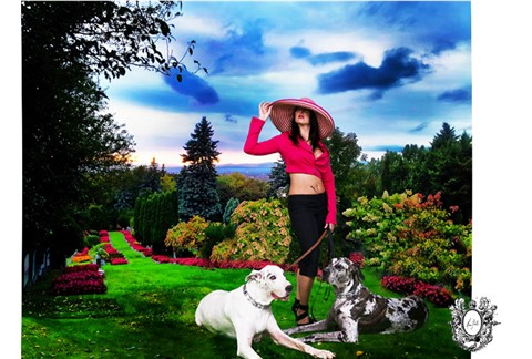 The Lady In A Garden-Montreal-Glamour-Photo-Studio-ByHeraBell