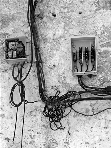 20120608_427Cables