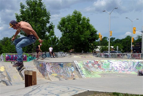 Skateboarding_Jump