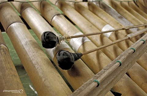 this is angklung copy