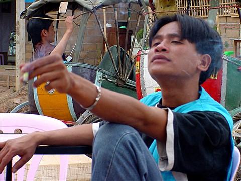 B17 Relaxing rickshaw drivers