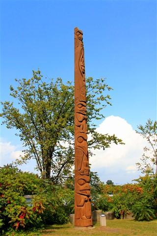 Totem Pole @ Victoria Island, Ottawa