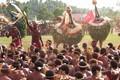 Massed Tubuan singsing group, Rabaul, PNG P7181005