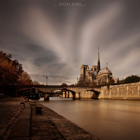 1177_NOTREDAME_vCOLOUR_FLICKR_SQUARE