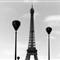 Tour Eiffel et lampadaires