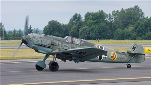 Messerschmitt Bf 109 E-3 taxiing out