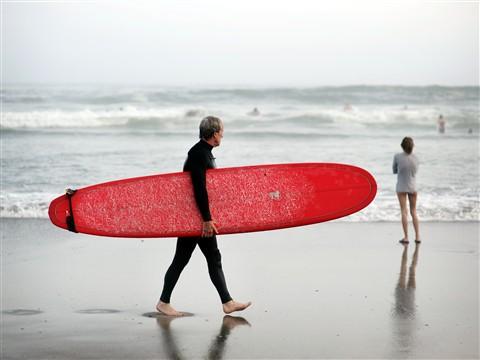 surfer_in_fog