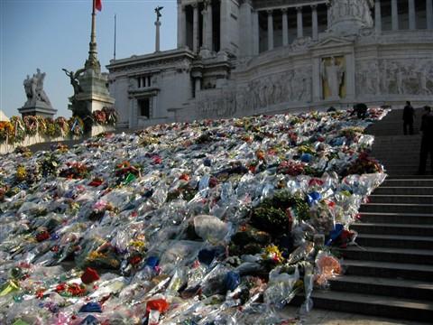 Memorial to Fallen Italian Soldiers Nov 2003