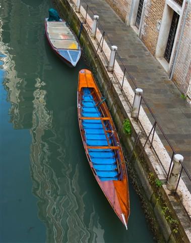 Blue Canoe, Venice