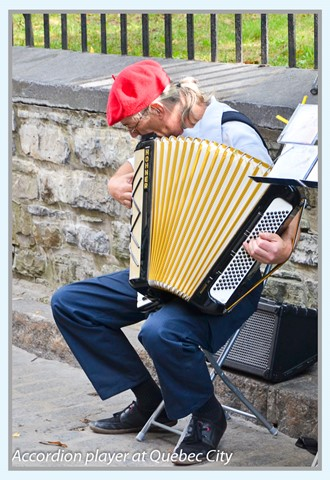 Accordion player at Quebec