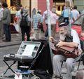 Street musician in Prag